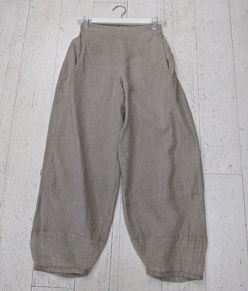 Style: 3946AW35 Pants