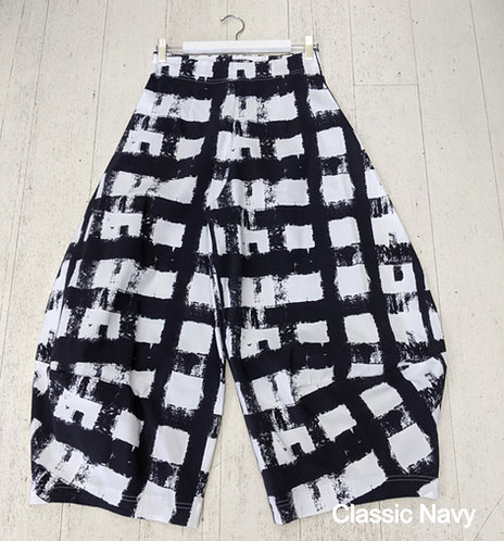 Style: 3902AV5046 Pants