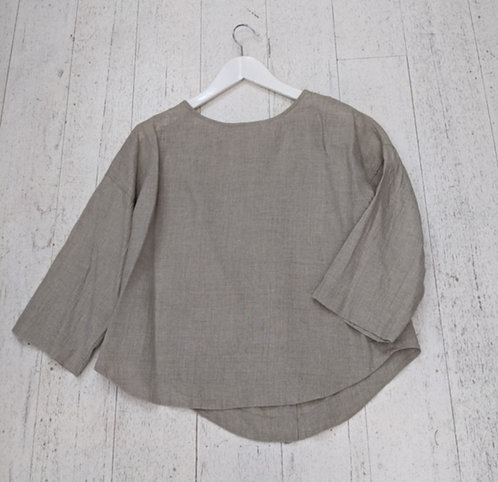 Style: 2311AW35 Top