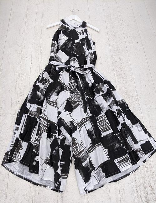 Style: 3919AV645 Jumpsuit