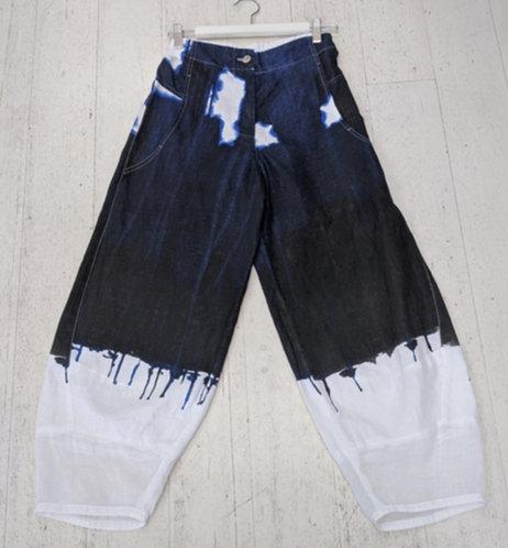 Style: 3943AV648 Pants