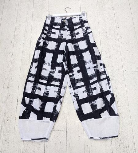 Style: 3891AV646 Pants
