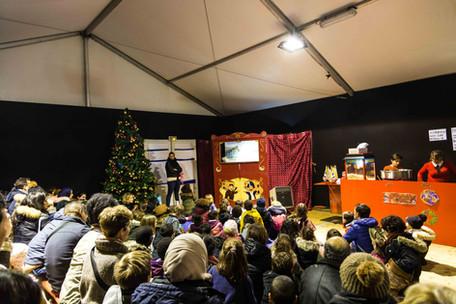 Spectacle de Marionnettes à la Défense.