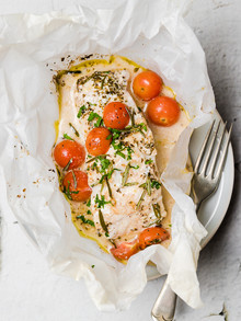 Wrapped Fish with Potatoes and Tomatoes