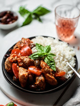 Chicken Stew with Olives and Capsicum