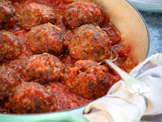HEARTY HOMEMADE MEATBALLS IN SAUCE