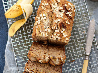 EASY APPLE BANANA LOAF