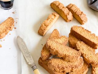 ONE BOWL BANANA CAKE PAXIMATHI (Greek Biscuit)