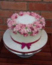 #bespokecakes #celebrationcakes #threeti
