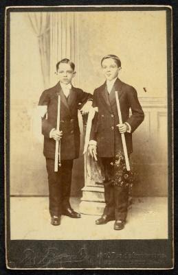 Louis Piereck José do Santos Dias e Luiz Dias Lins. Primeira Comunhão. Recife, Pernambuco