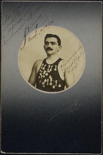 Horacio & Oliveira José Barros, remador do Sport Club do Recife Recife, Pernambuco, 1913 Cabinet