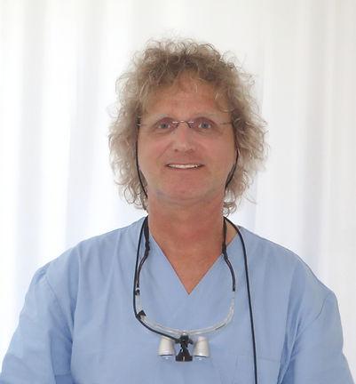 Dr. med. dent. Kai Kröll, Zahnarzt und zertifizierter Spezialist für Implantologie