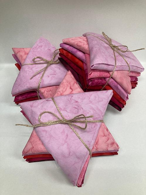 Hoffman 1897 Batik Fat Quarter Club - OXOX (Pink/Red) 10pc