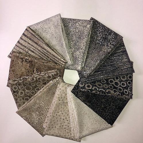 Shimmer Fat Quarter Bundle - Sand & Black Earth