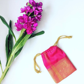 Learn to make a simple drawstring pouch