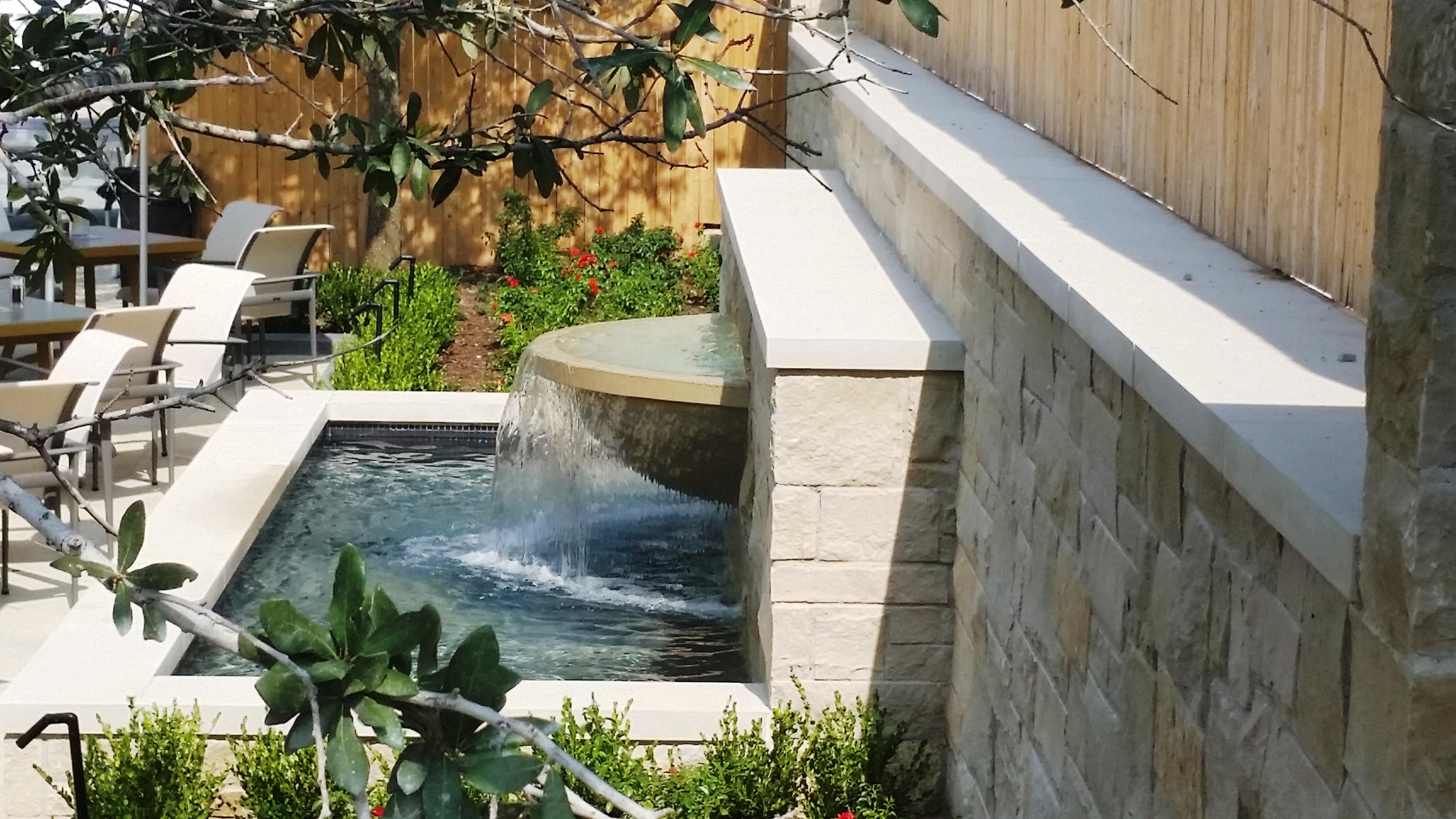 G007: Garden Fountain