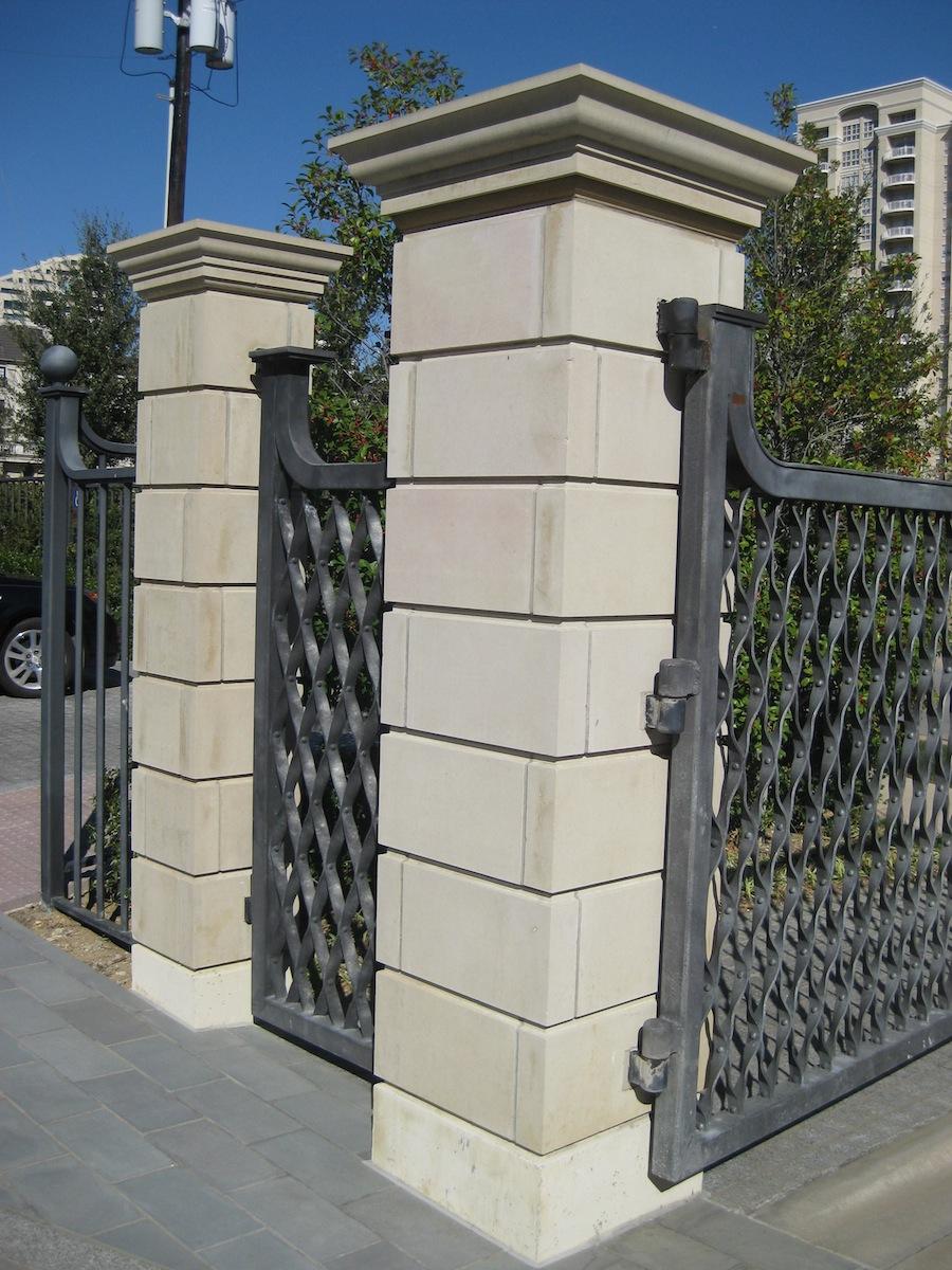 FB109: Block Veneer Columns