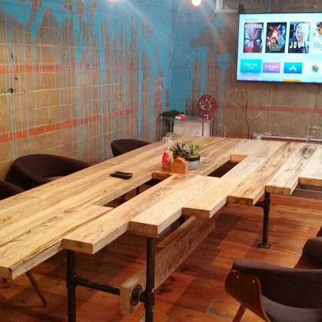 900lb Creative Conference Table