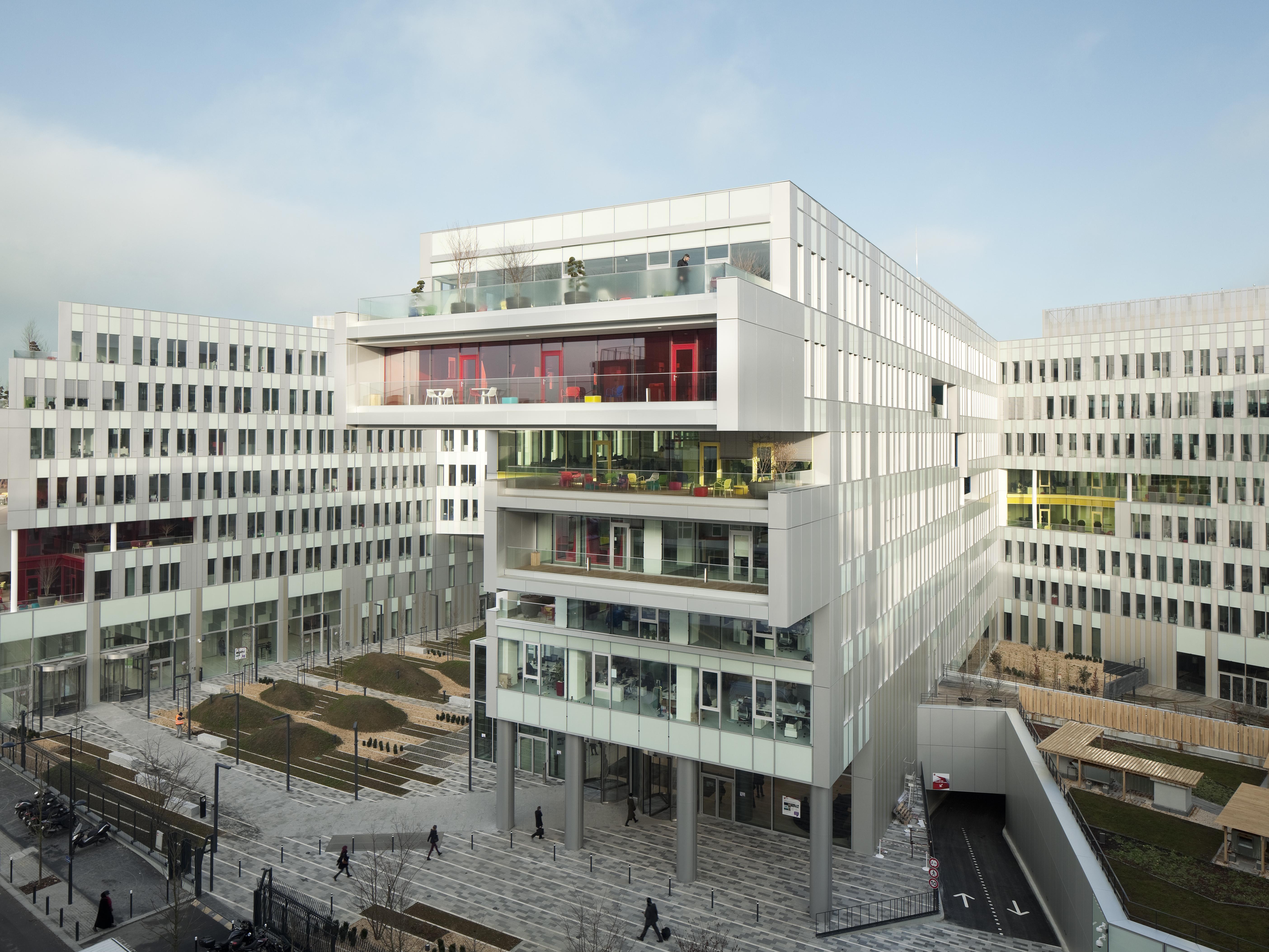 christian-pohl-campus-sfr02-paris-individualfassade-duranizenatural-duranizecham-1
