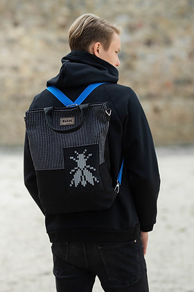 Katré 3in1 bag with a BLUE strap and a reflective FLY