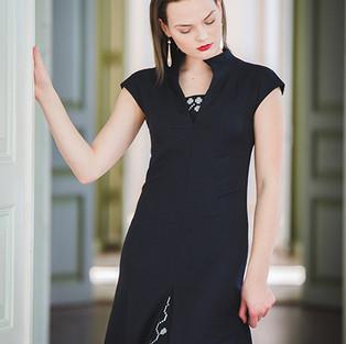must pidulik kleit katre arula.JPG