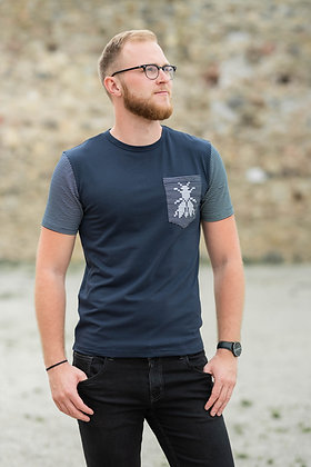 Men's dark blue T-shirt with a fly pattern on the pocket