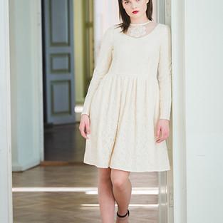 katre arula valge kleit.JPG