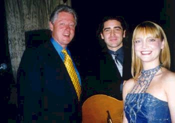 Brian Kennedy sings for President Clinton