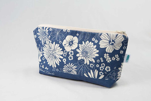 Cosmetic case – Falklands flowers