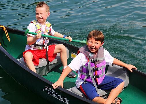 Glen Lake Camp & Retreat Center | Guest Retreats | Summer Camp | Central Texas | Christian Camp | 1st-3rd Grade | Elementary | Canoes