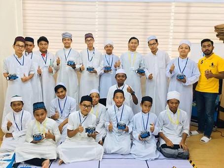 Program CSR JAZRO:  Kelas Robotik Maahad Tahfiz Mutiara