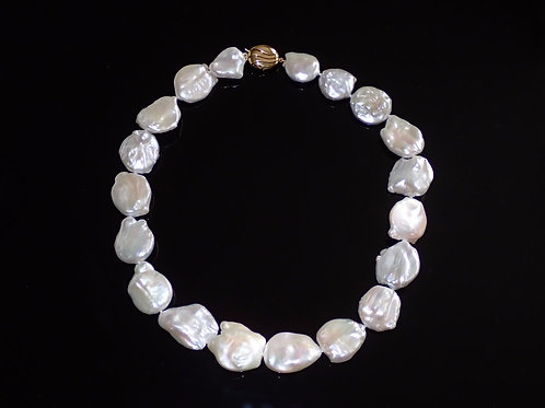 Large freshwater coin pearls - 9ct yellow gold