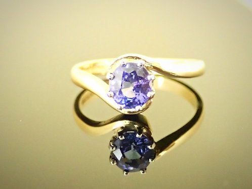 Tanzanite Single Stone Crossover Ring in 18ct Gold
