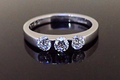 Diamond Trilogy ring. Platinum mount.