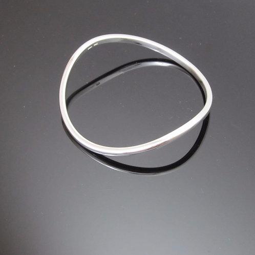elegant sterling silver Wave bangle