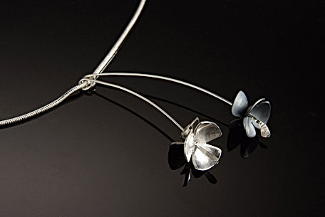 Marie Krazizky long flower necklace