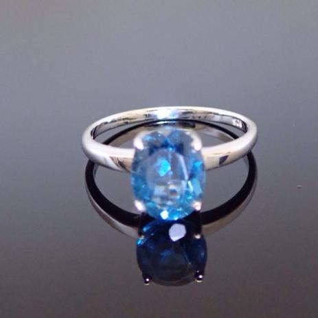 London Blue Topaz Ring - 9ct White Gold