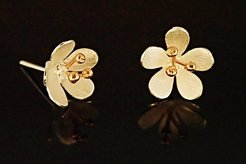 Satin Daisy Stud Earring - Sterling Silver with Gold Plating