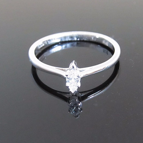 9ct white gold marquise diamond ring