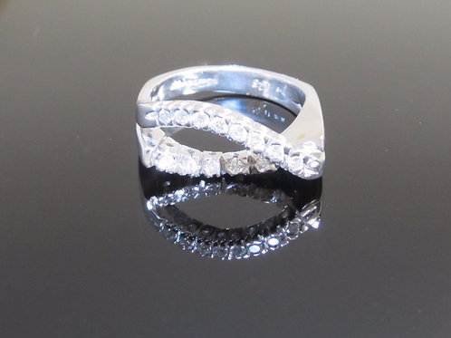 18ct white gold crossover diamond ring