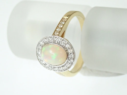 Opal & Diamond cluster Ring - 18 ct Gold