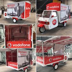 Decorazione Ape Car Vodafone