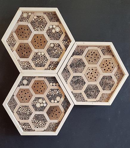 Bienenhotel in Wabenform im 3er Set