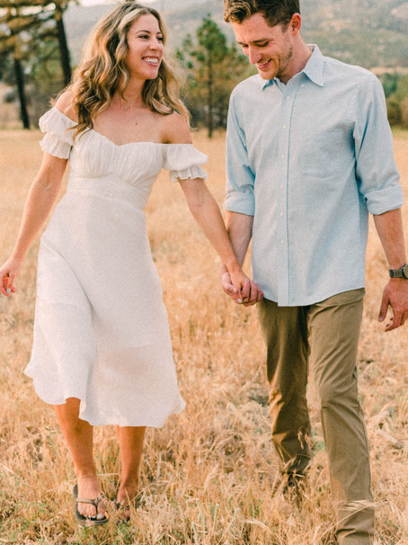 Emily and Daniels Engagement Photos in Idyllwild