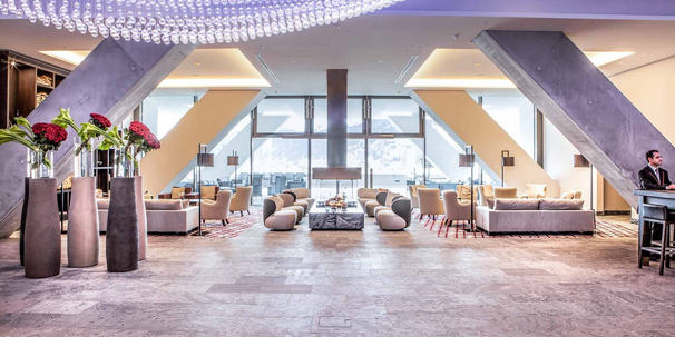 luxury_hotel_intercontinental_davos_lobb