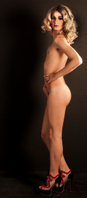 desnudo de pie.jpg