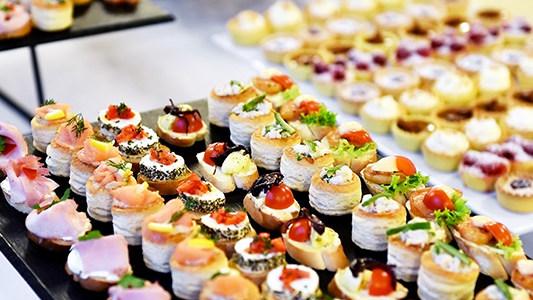 Tropic event modern food