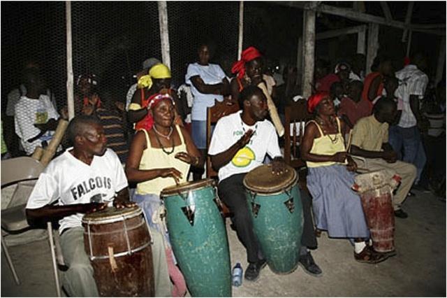 AWOZAM drummers