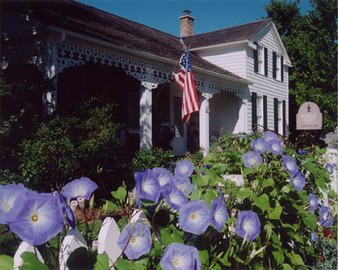 Historic 1849 Kuhefuss House-Summer Morn