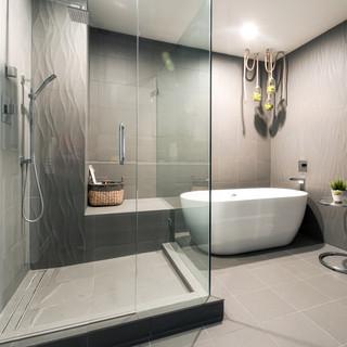 Master Bath-4.jpg